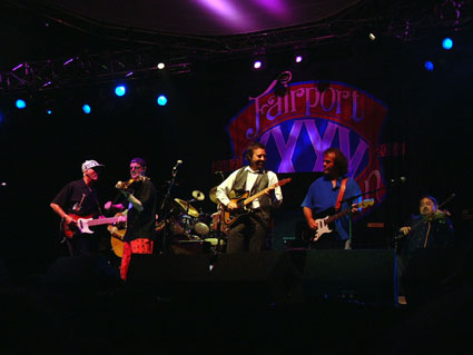 Dave Pegg, Ric Sanders, Jerry Donahue, Maartin Allcock & Dave Swarbrick
